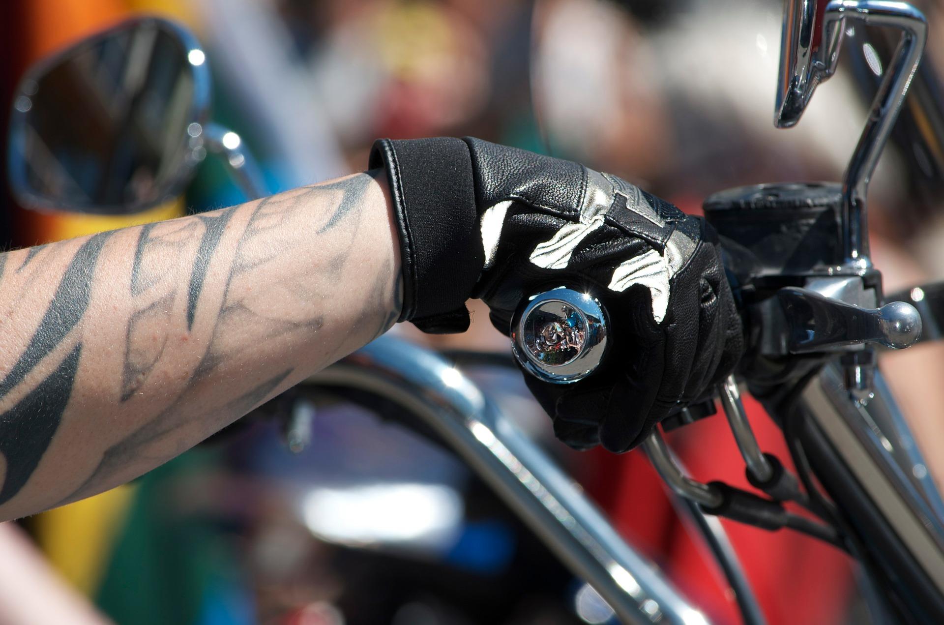 Comment entretenir ses gants moto ?