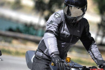 La combinaison de moto : 3 types différents