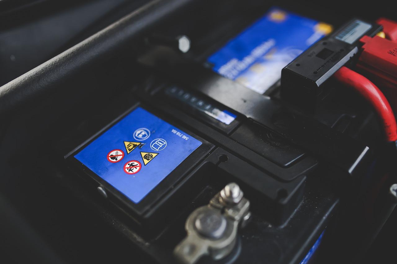 Batterie moto : comparatif, guide d'achat, test et avis