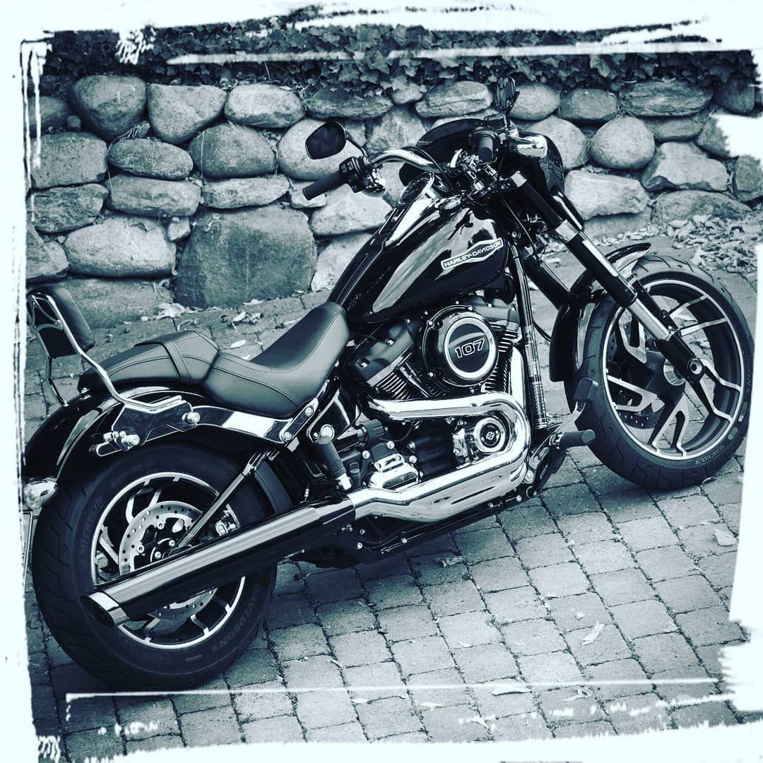 Harley-Davidson Sport Glide : présentation, fiche technique, prix