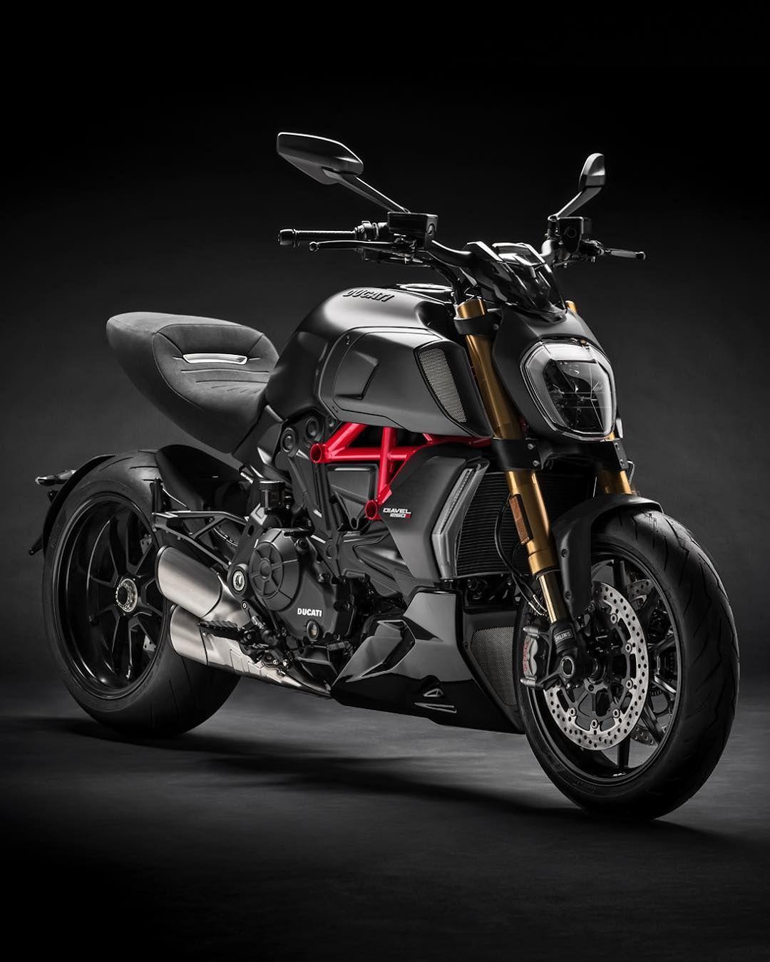 Ducati Diavel 1260S : présentation, fiche technique, prix