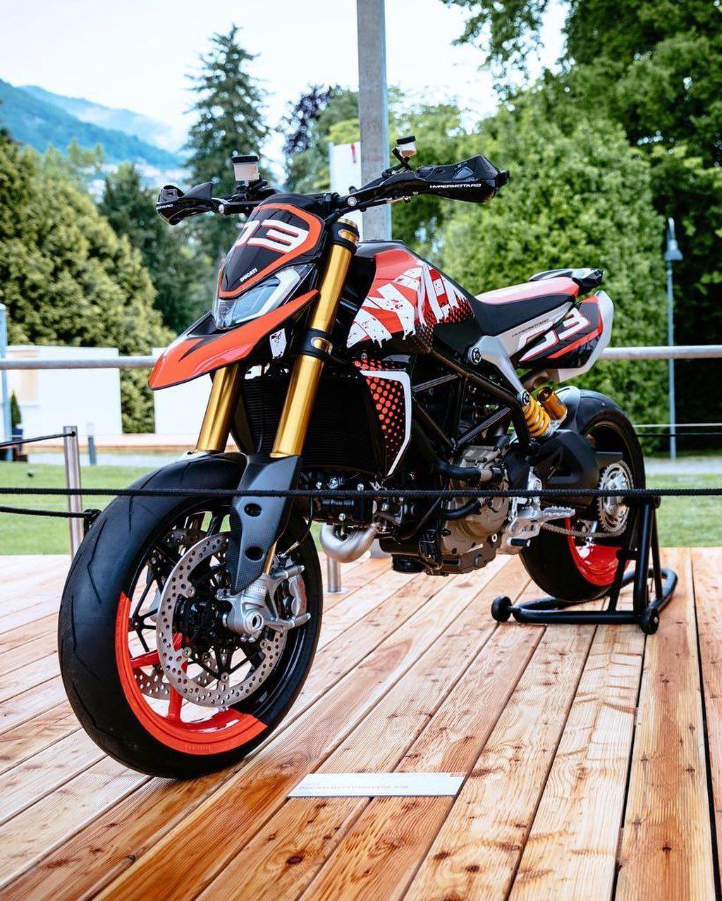 Ducati Hypermotard 950 SP : présentation, fiche technique, prix
